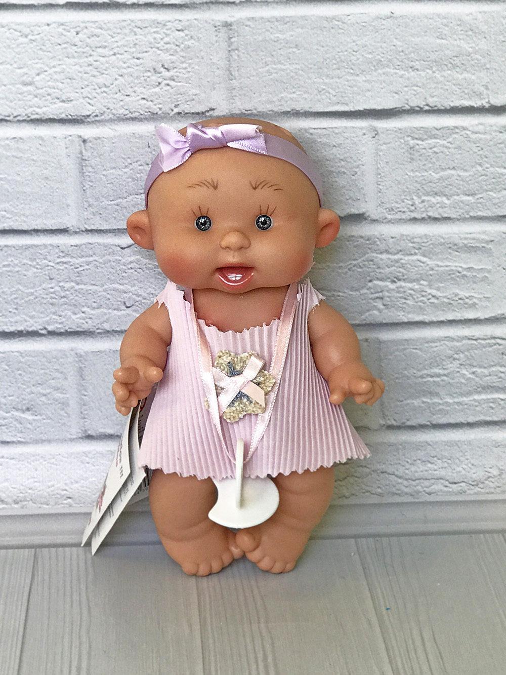 Ванильный пупс Nines d'Onil девочка с зубками 21 см