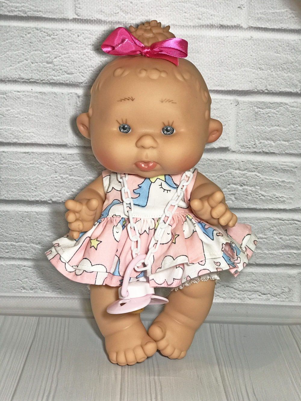 Платье розовое с единорогами для пупса 26 см
