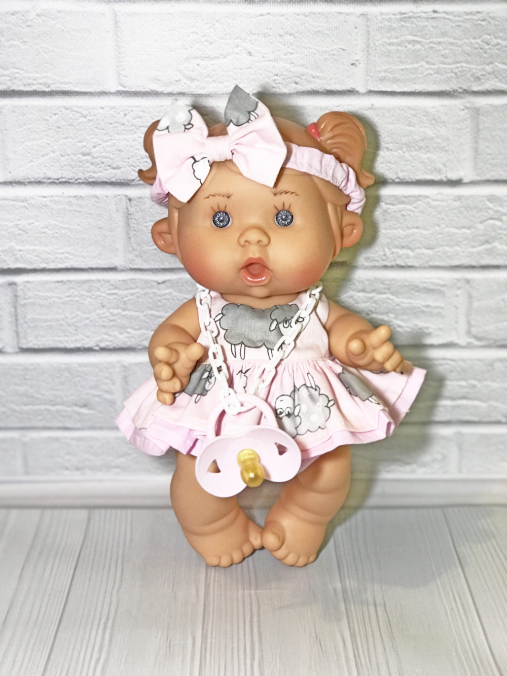 Платье розовое с овечками для пупса 26 см