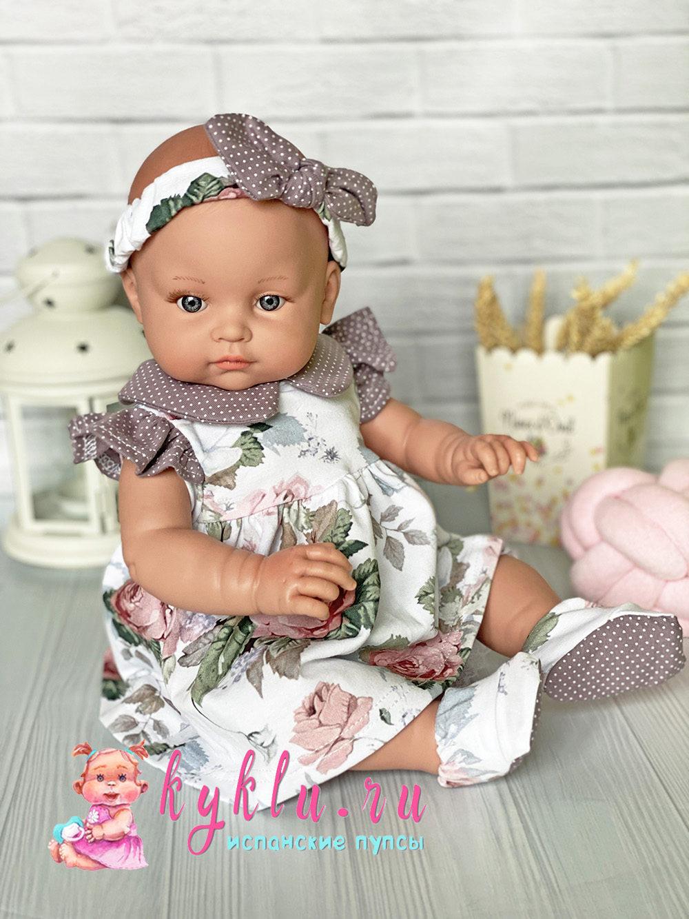 Костюм для куклы с розами