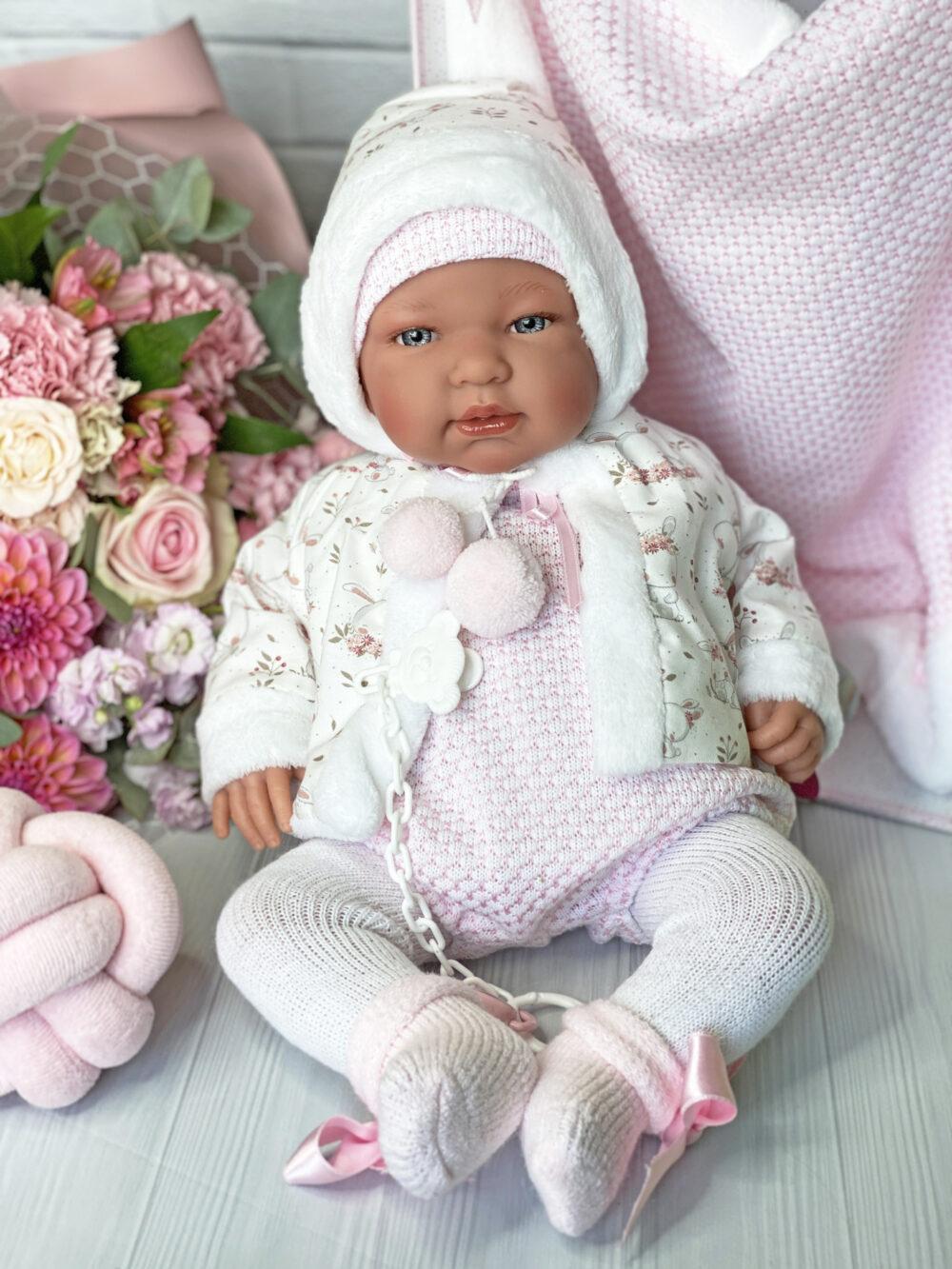 кукла Тина в теплом костюме