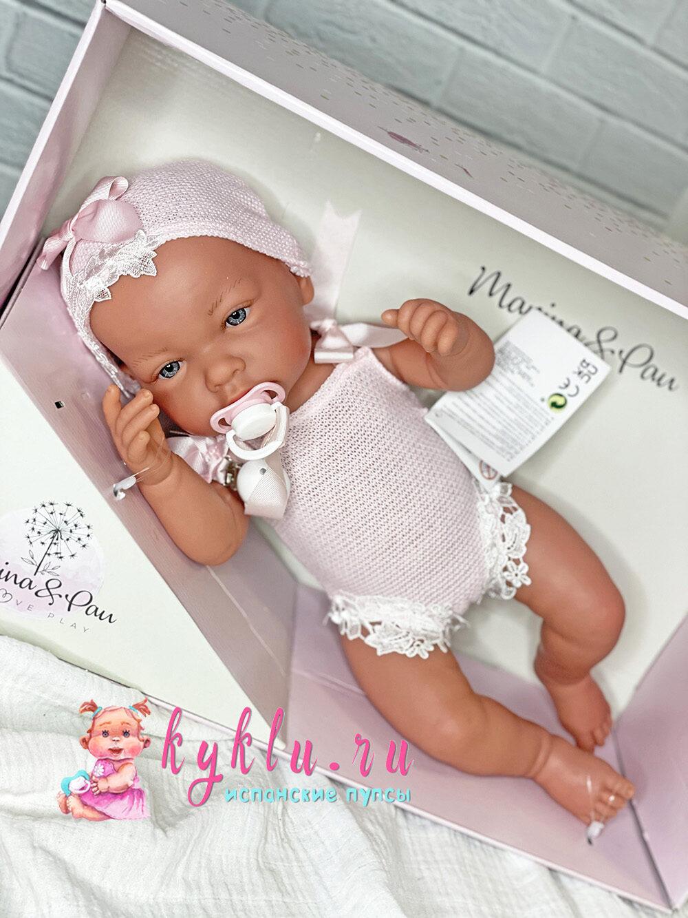 Девочка младенец в розовом боди с кружевами