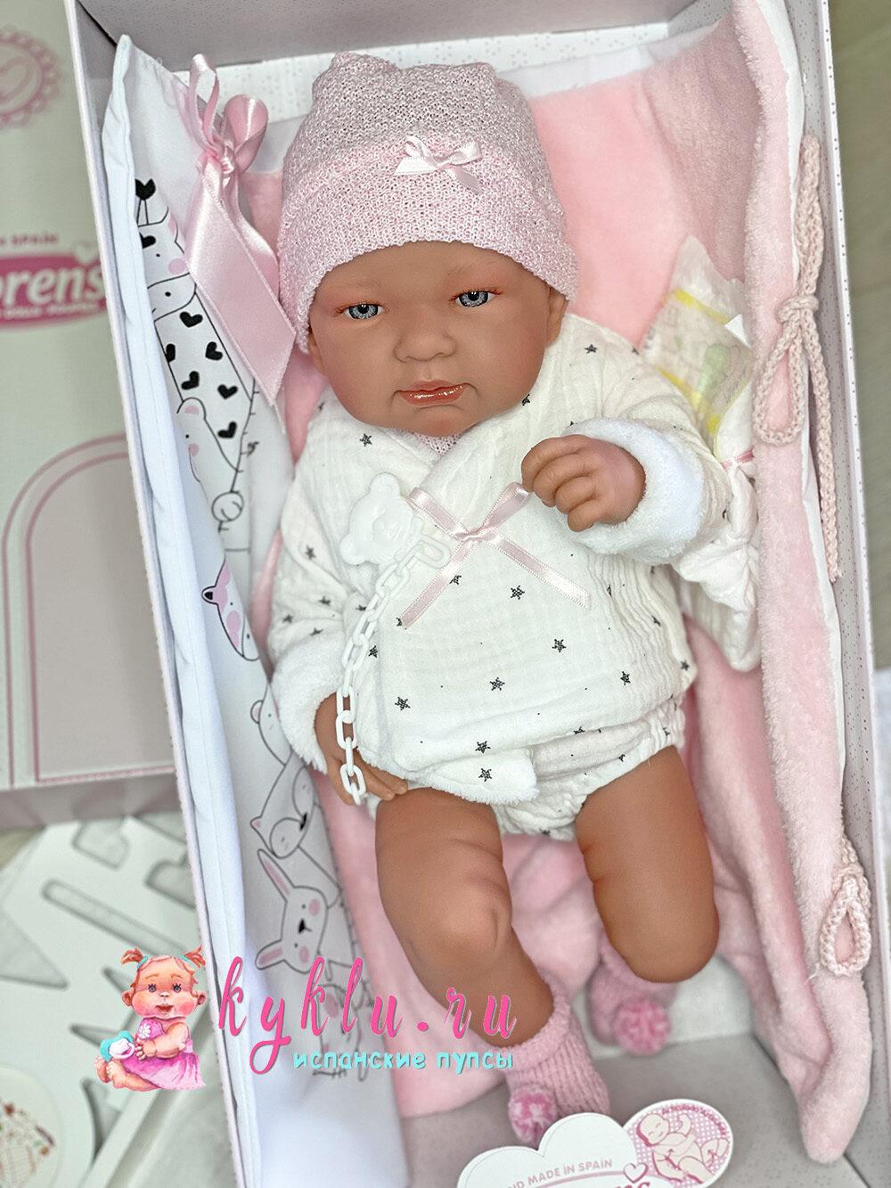 Девочка младенец в светлом костюме от Llorens