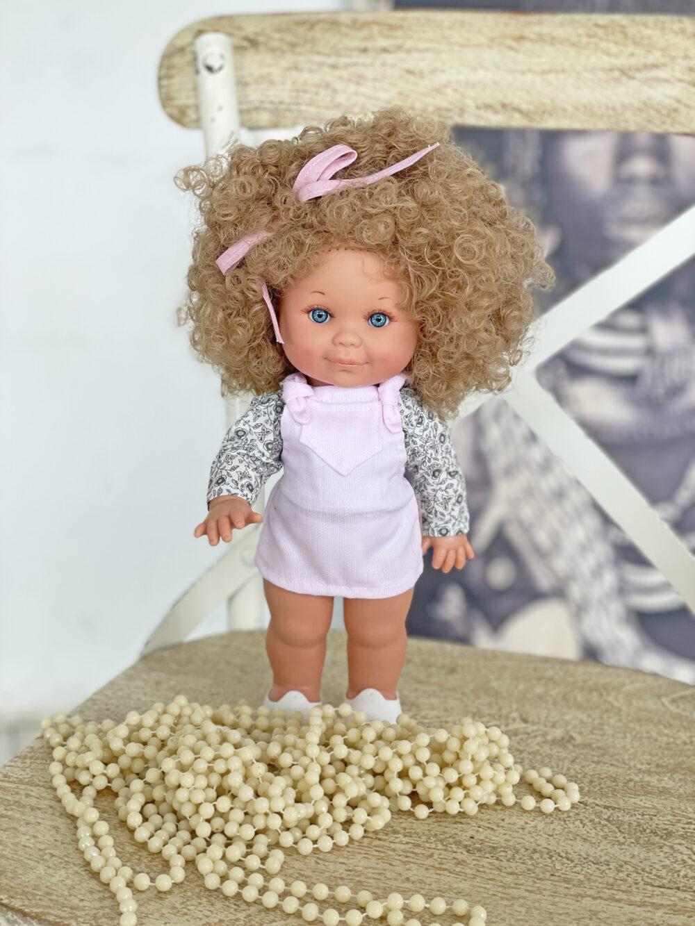 Кукла Бетти с кудрявыми волосами от фабрики Lamagik